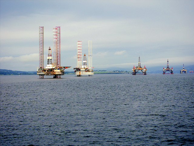 Drilling Rigs in Cromarty Firth