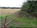 SO8870 : Broken gate to field on Lunnon Lane, Rushock by Jeff Gogarty