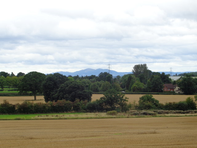 Looking across fields from Lunnon Lane, Rushock