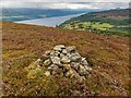 NH5636 : Cairn on Cnoc an Duine by valenta