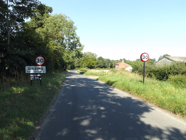 Entering Gissing on Burston Road