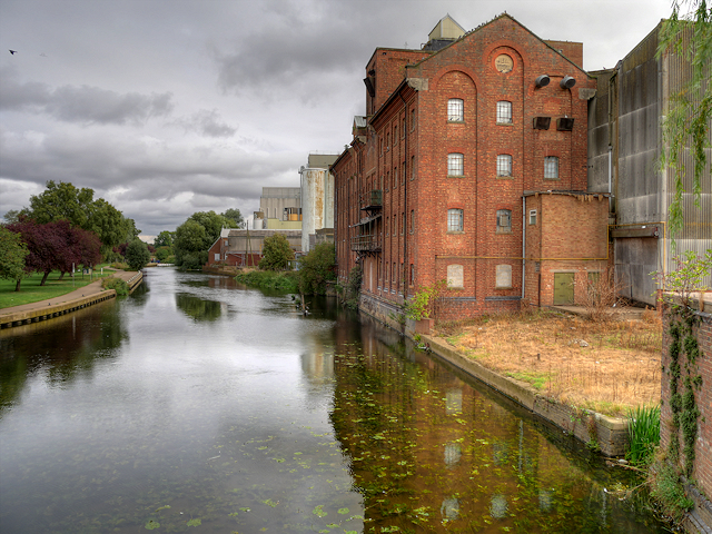 River Nene and Whitworth Brothers Flour Mill, Little Irchester
