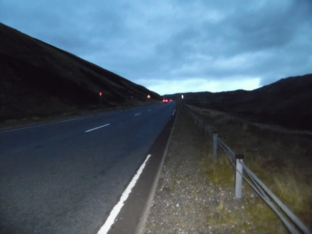 A93 approaching the Devil's Elbow