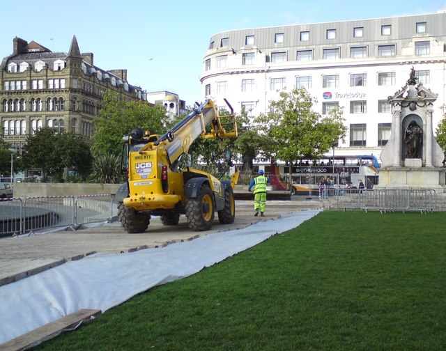Men at work in Piccadilly Gardens
