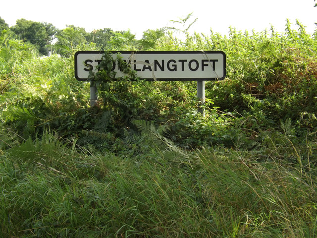 Stowlangtoft Village Name sign on Bull Road