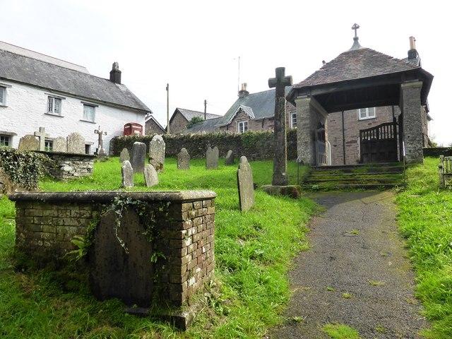 Churchyard of St Leonard's, Halwell