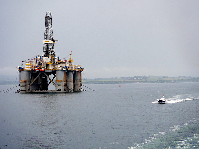 Drilling Rig and Pilot Boat in Cromarty Firth