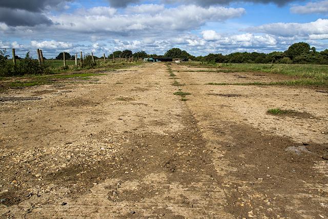 WWII Somerset: RAF/RNAS Charlton Horethorne - airfield perimeter track (7)