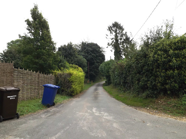 Bridleway to Bull Road & entrance to Maukin's Hall