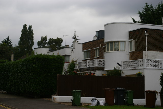 Inter-war moderne housing, Kerry Avenue, Stanmore
