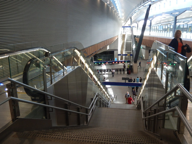 London Bridge: down to the new concourse