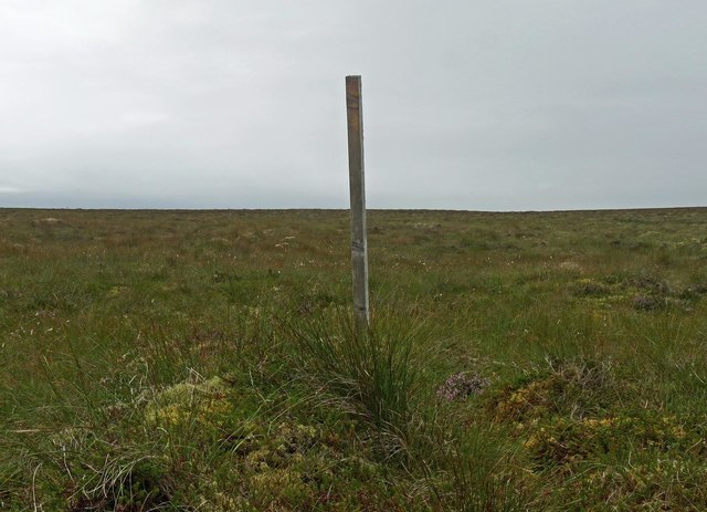 Marker post, Tom Loch nan Learga, Isle of Lewis