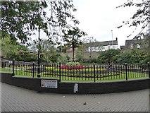 SJ8545 : Newcastle-under-Lyme: Grosvenor Gardens roundabout by Jonathan Hutchins
