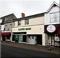 ST4836 : Lloyds Bank in Street, Somerset by Jaggery
