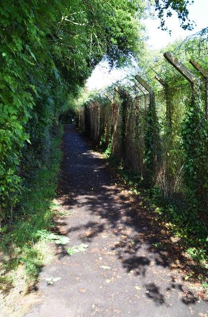 Public footpath to Carterton, Oxon