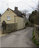SO8700 : Stone walls and stone houses in Minchinhampton by Jaggery