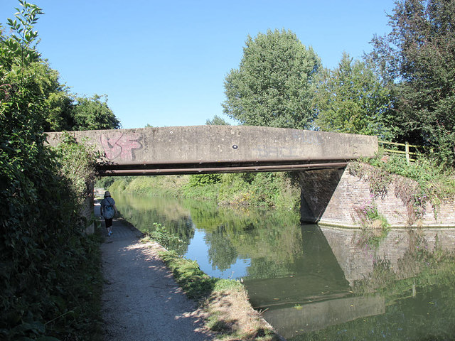 Cadmore Lane bridge over the Lea Navigation
