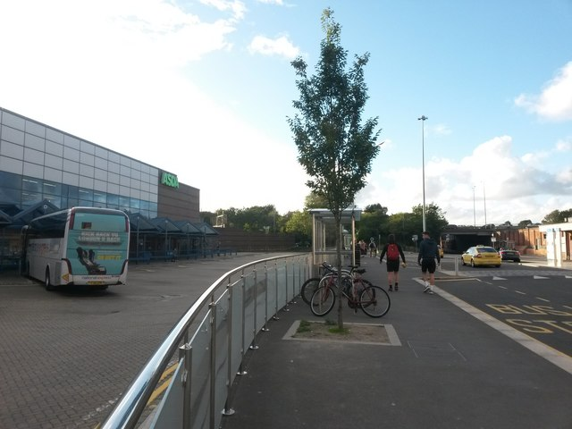 Bournemouth: coach station and bus stops by the station