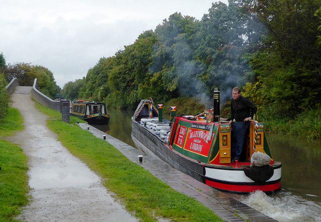 Working narrowboat at Glascote Locks, Staffordshire