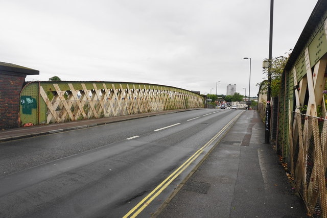 Northam Road crossing the railway