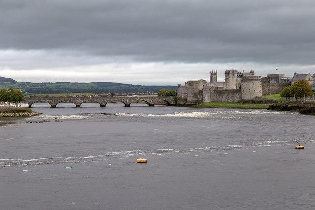 King John's Castle and Thomond Bridge