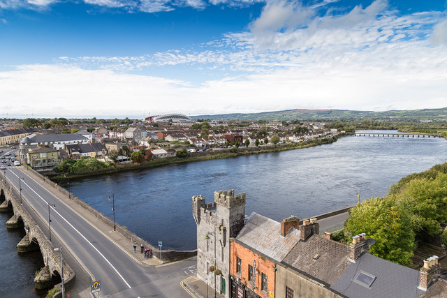 Thomond Bridge and River Shannon, Limerick