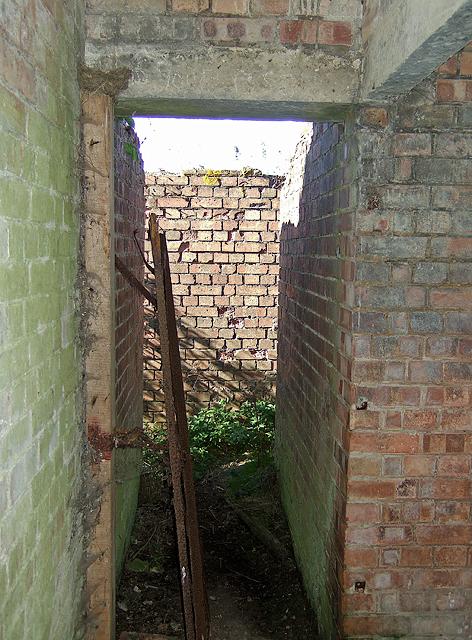 WWII Hampshire - 'Starfish' civil bombing decoy control bunker, Farlington Marshes (5)