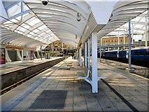 SJ8499 : Metrolink platforms at Manchester Victoria by Gerald England