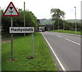 "SH7401 : Warning sign - 14' 0"" headroom bridge, Machynlleth by Jaggery"