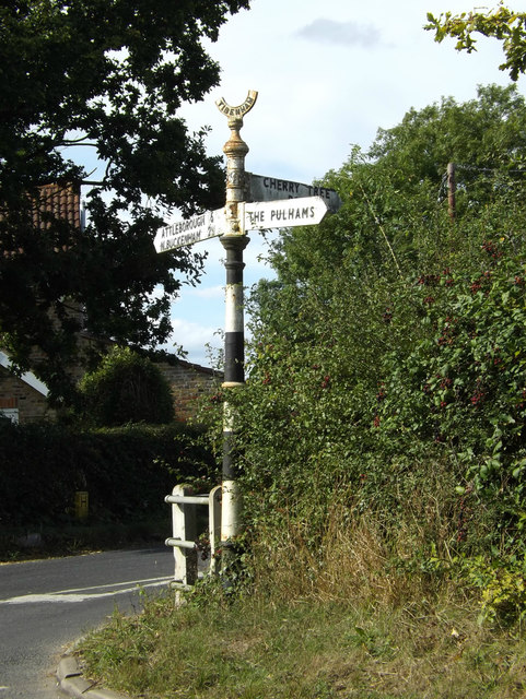 Signpost on Cherry Tree Road