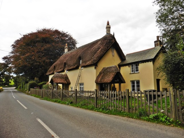 Thatched cottage on the A39