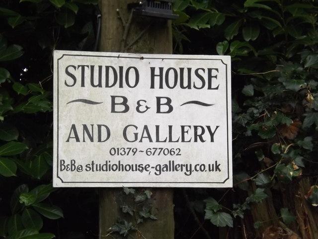 Studio House B & B & Gallery sign