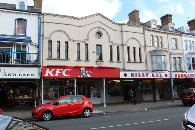 KFC and Billy Lal's, Mostyn Street by Richard Hoare