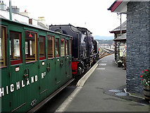 SH5738 : Entering Porthmadog Harbour station by John Lucas