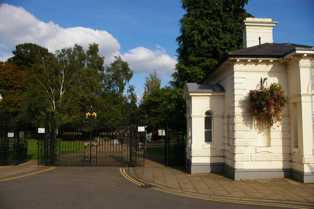 Leamington Spa: entrance to Jephson Gardens