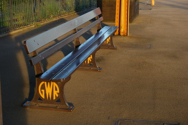Great Western Railway bench, Leamington Spa station