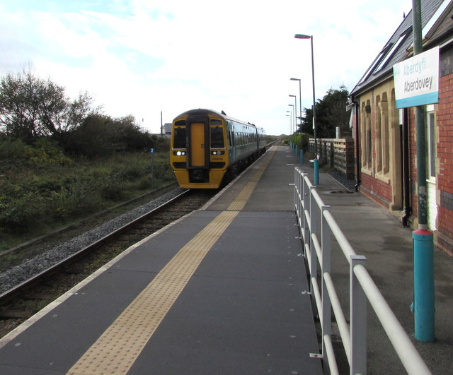 Birmingham International train arrives at Aberdovey Station