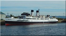 NS2975 : TS Queen Mary at James Watt Dock by Lairich Rig