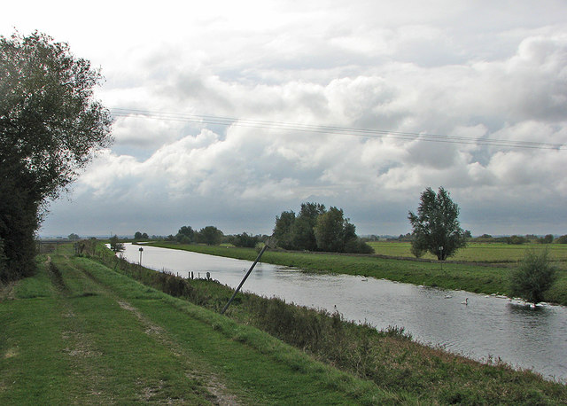 Sutton Gault: grey cloud and the New Bedford River