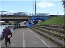 SX9192 : Urban art on Exe Bridge support by David Smith
