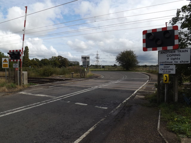 Station Road Level Crossing at Tivetshall Crossing