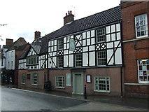 TM3389 : The Fleece Inn, Bungay by JThomas