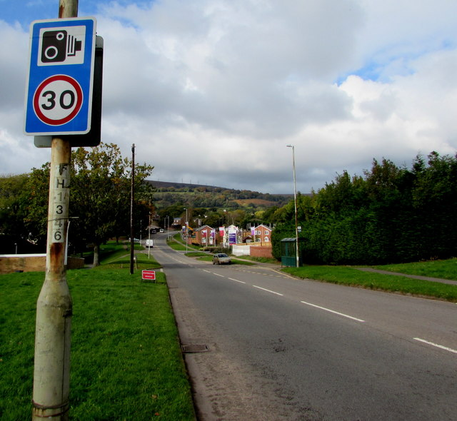 Combined speed limit and speed camera sign, Cwmbran