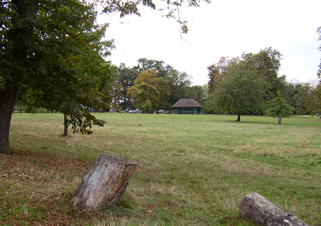 Ruskin Park, looking towards the shelter