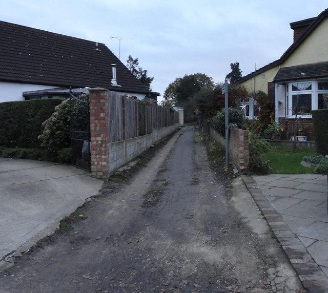 Start of footpath 138 in Cranham Road