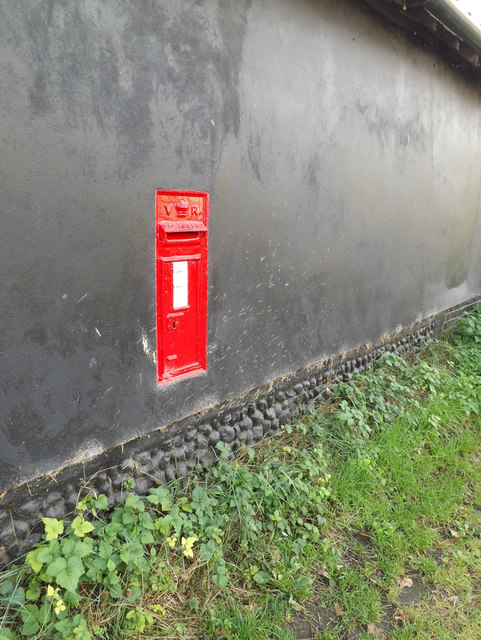 Fen Street/Priest Hill Victorian Postbox