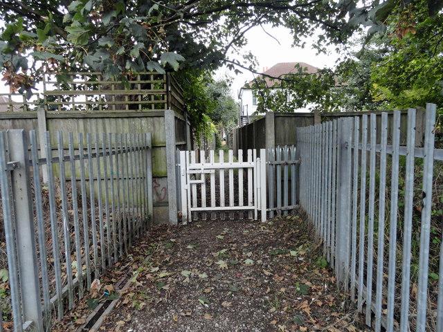 Gate on footpath 172