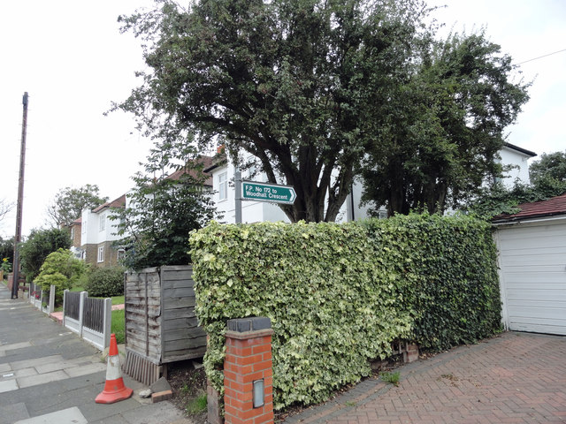 Entrance to footpath 172 in Maywin Drive