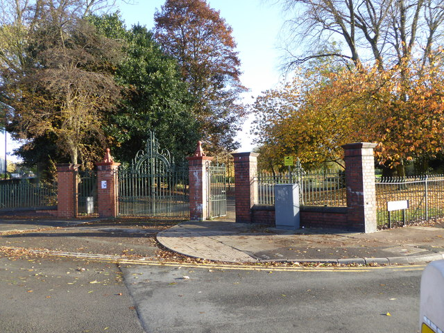 Hanley Park: entrance on College Road