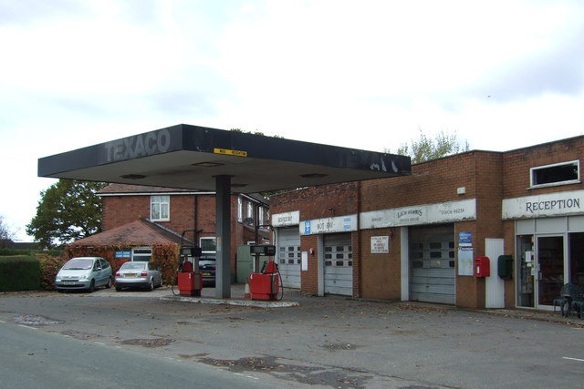 Lach Dennis Service Station